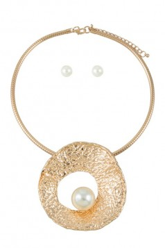 Hammered Circle with Pearl Charm Collar Necklace