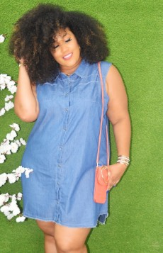 ALL EYES ON ME DENIM SLEEVELESS DRESS
