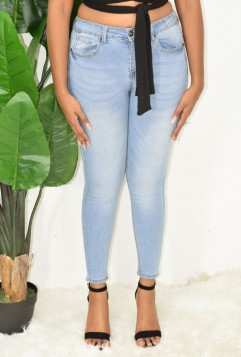 SNAG THESE HIGH WAISTED JEANS