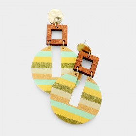 STRIPE PATTERN WOOD DANGLE EARRINGS OLIVE
