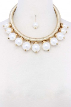 PEARL METALLIC THREAD NECKLACE AND EARRING SET
