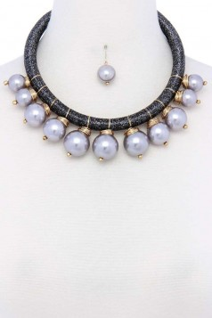 PEARL METALLIC THREAD NECKLACE AND EARRING SET GREY